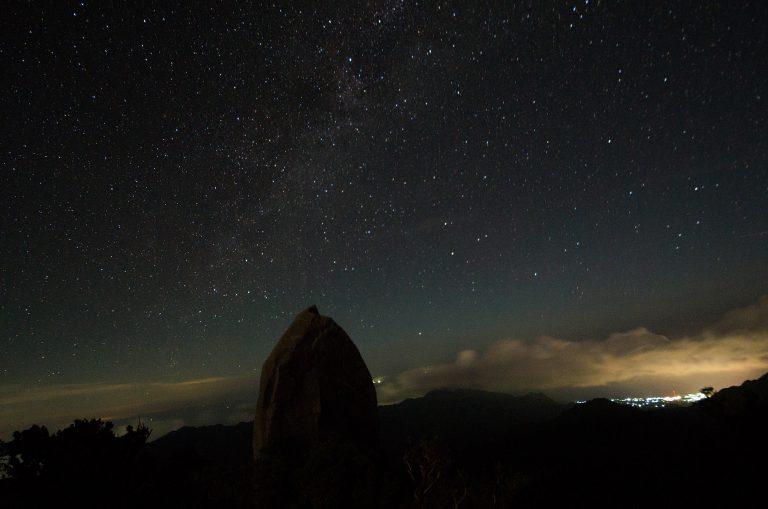 一泊で行く「秘境ガイドツアー」で満天の星空を見る!