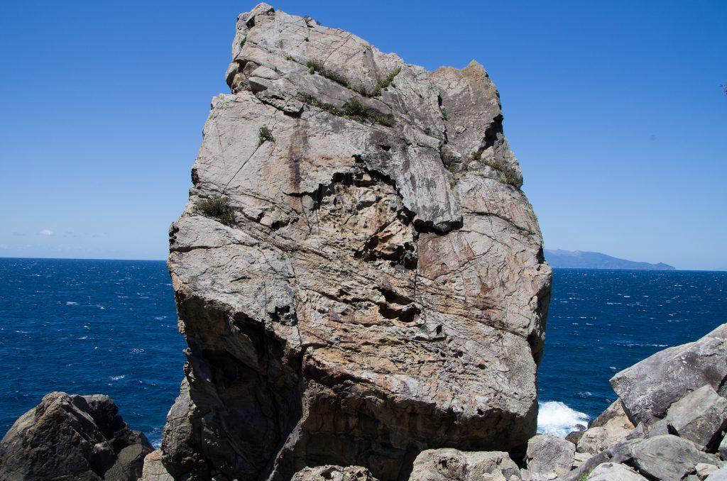 秘境ツアー 巨岩