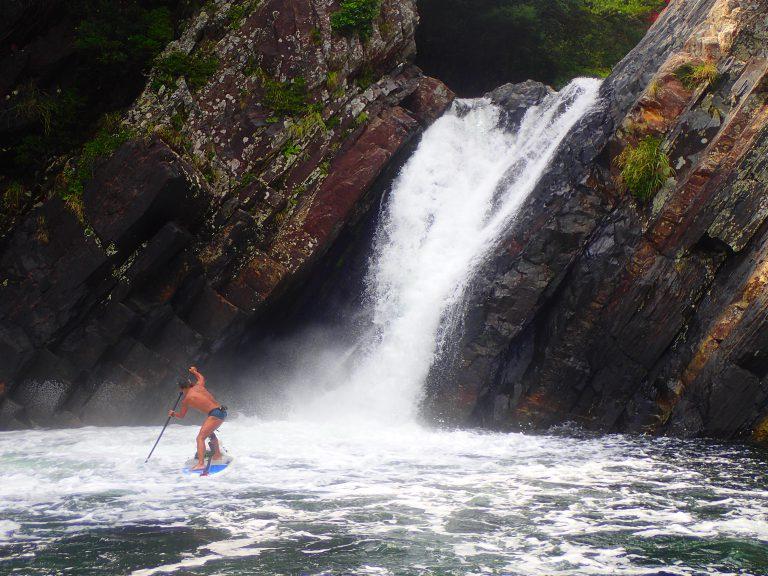 海サップでトローキの滝&クルージングへ