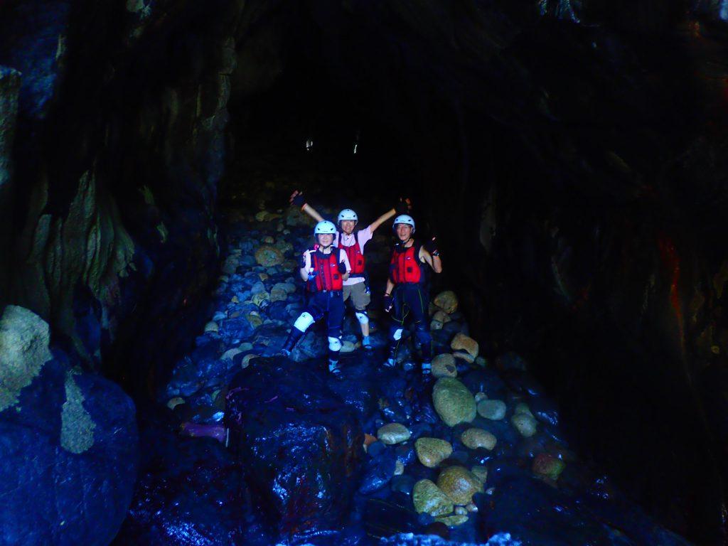 洞窟 ケイビング