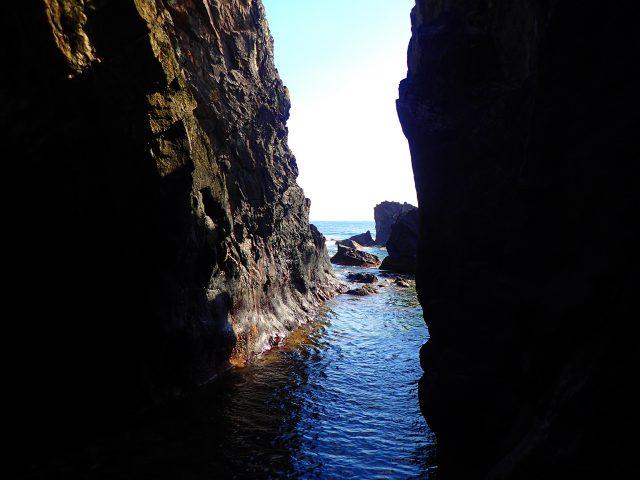 洞窟 ケイビング ガイドツアー